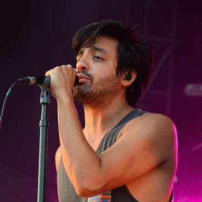 Young The Giant live