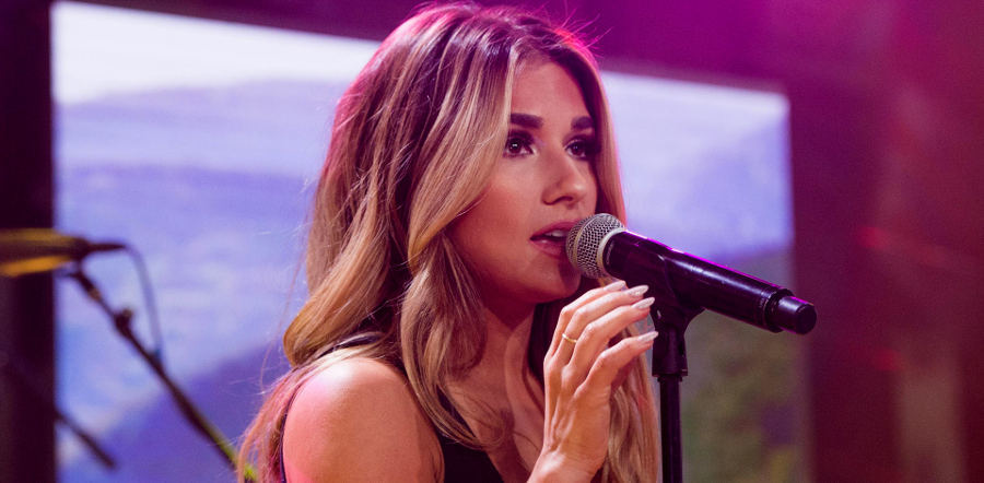 Jessie James Decker tour dates