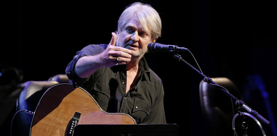 Tom Cochrane tour dates