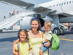 child custody mom and kids at airport