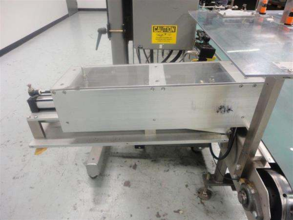 Label-Aire 2140-RF Case Labeling System
