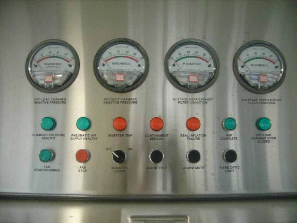 Glatt Vertical Granulator FM-VG-25 in Howorth Isolator