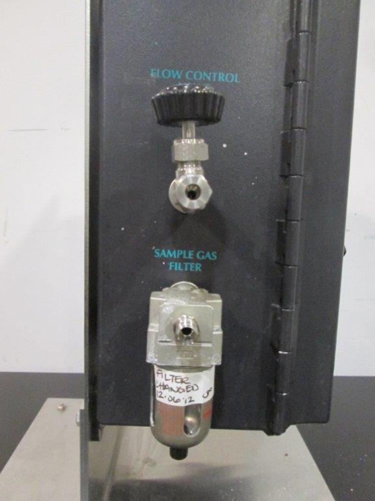 New Brunswick EX-2000 Off-Gas CO2/O2 Analyzer
