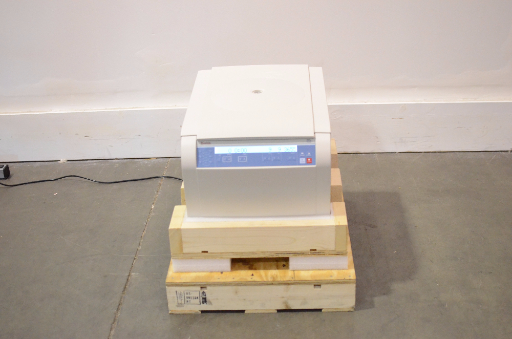 Thermo Scientific Sorvall ST 16 Centrifuge, Refurbished