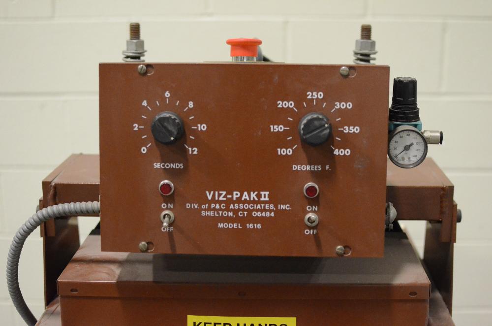 Viz-Pack II model 1616 Sealer