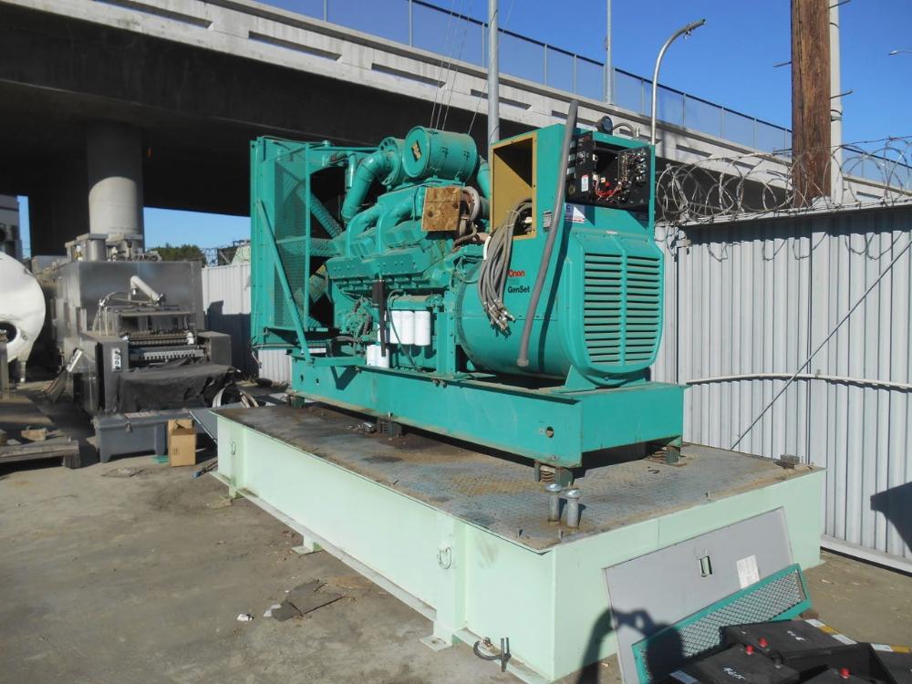 Onan Cummins Diesel 750 kW Generator