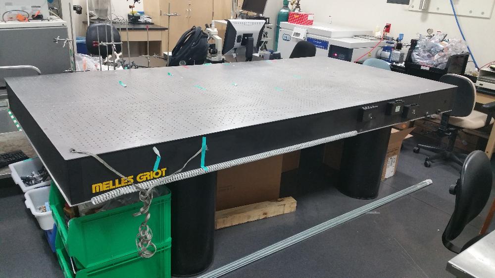 Melles Griot Lab Table