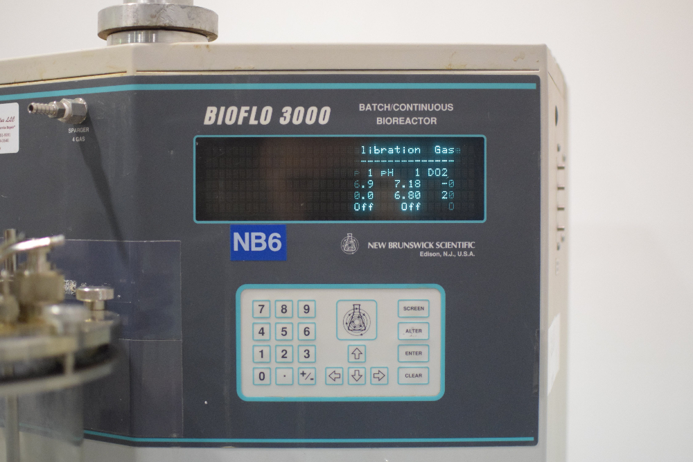 New Brunswick Scientific Bioflo 3000 Bioreactor