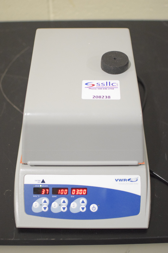 VWR Incubating Microplate Shaker