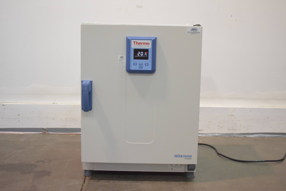 Thermo Scientific Heratherm IGS100 Microbiological Incubator
