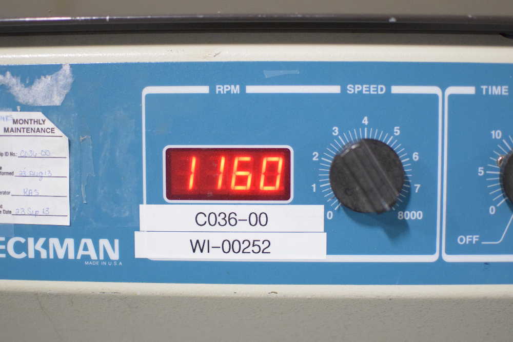 Beckman Model 355952 GP Centrifuge
