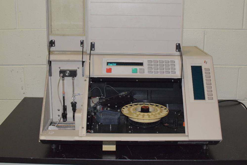 Abbott Labs TDXFLX Automated Fluorescence Polarization Analyzer
