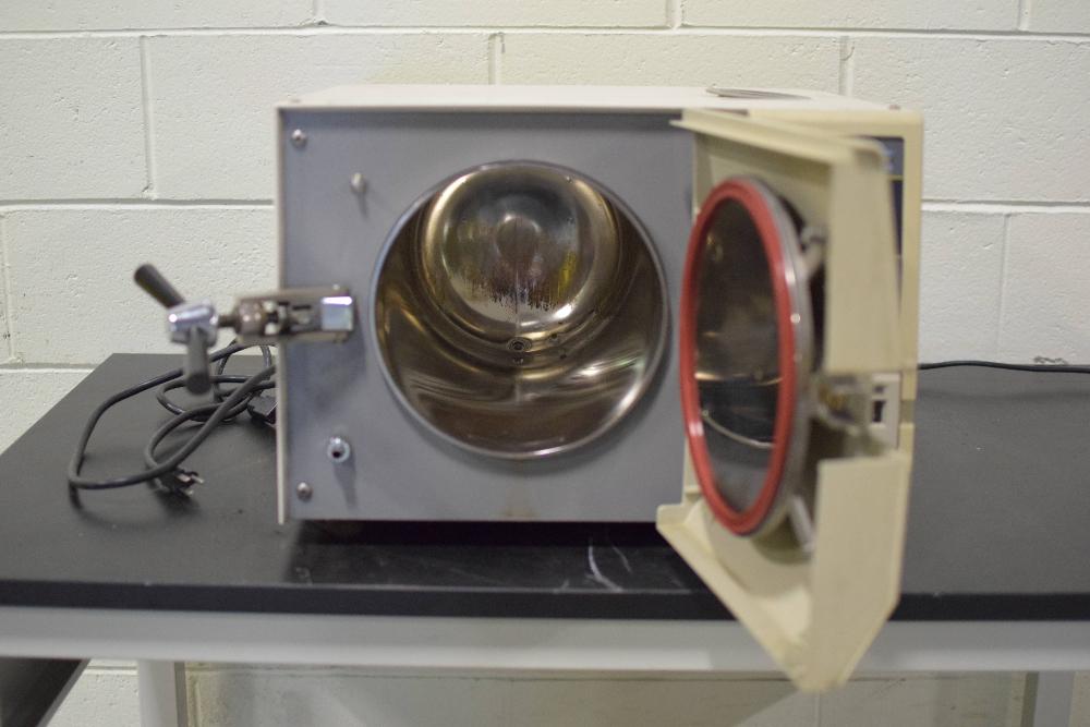 Brinkmann Tuttnauer 2340E Autoclave