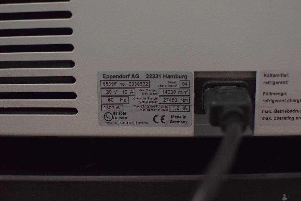 Eppendorf 5804R Centrifuge