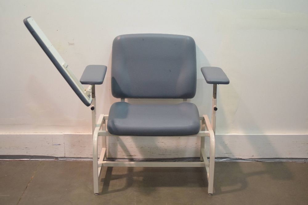 UMF Medical 8690 Exam Chair