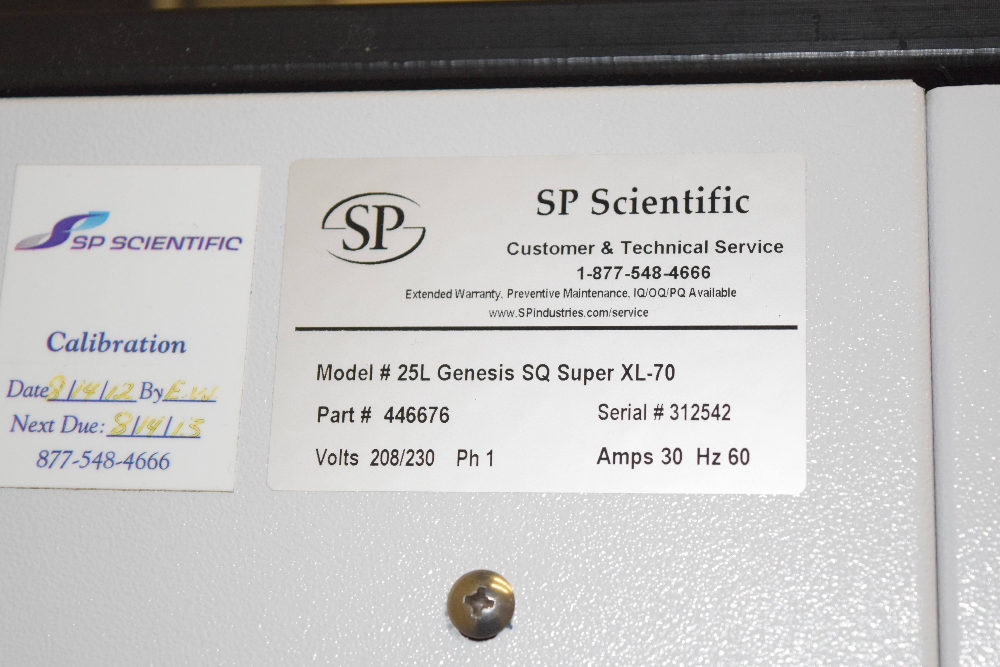 Genesis Pilot Lyophilizer, Model 25L Genesis SQ Super XL-70