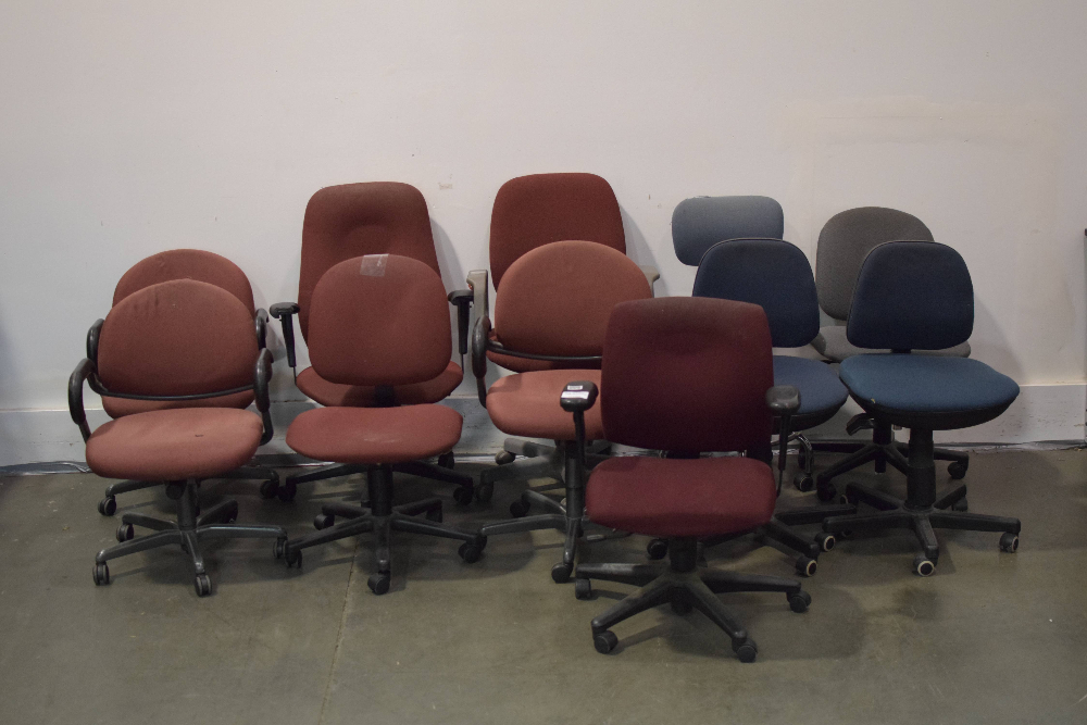 Lot of (11) Office Chairs