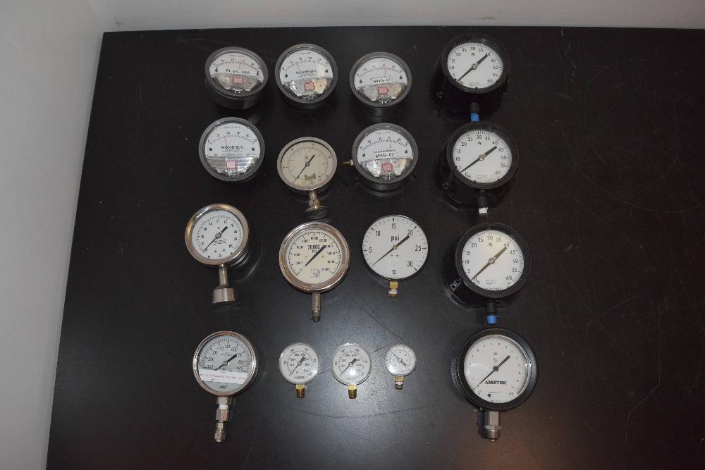 Lot of (16) Pressure Gauges