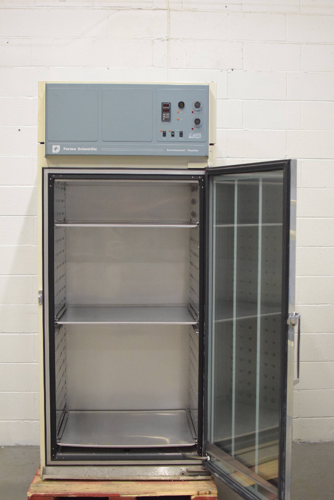 Forma Model 3920 Environmental Chamber