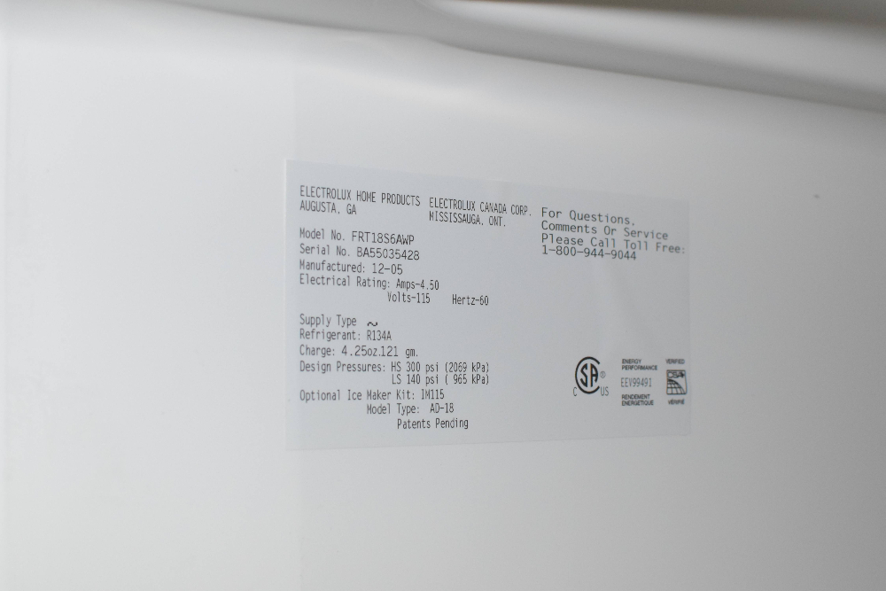 Frigidaire Refrigerator with Freezer