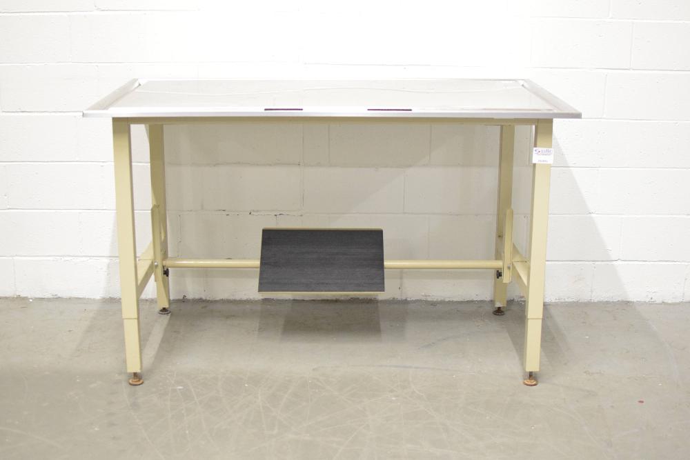 5 Ft Adjustable Lab Table