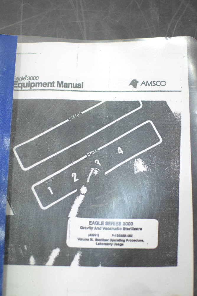 AMSCO Eagle 3023 Vacamatic Sterilizer