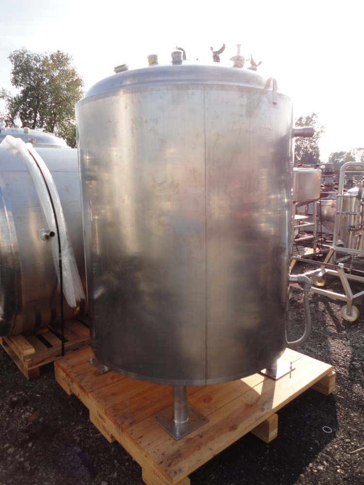 DCI 600 Gallon Stainless Steel Tank Vessel