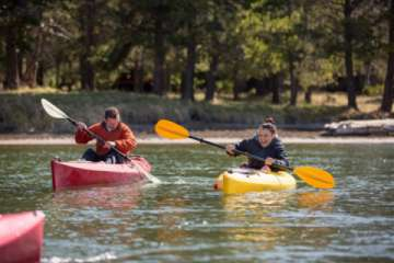 The Deschutes River offers all sorts of opportunities, kayaking, canoeing, SUP, floating and more! (Pic)