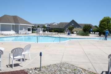 Huge gorgeous pool (Pic)