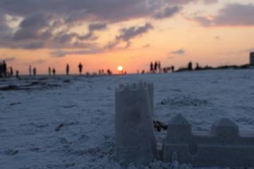 Siesta Key at sunset.  Come stay in your special castle right near America's most beautiful beach (Pic)