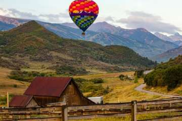 Hot air ballooning is just one of the many adventures you can enjoy when vacationing in Aspen Snowmass (Pic)