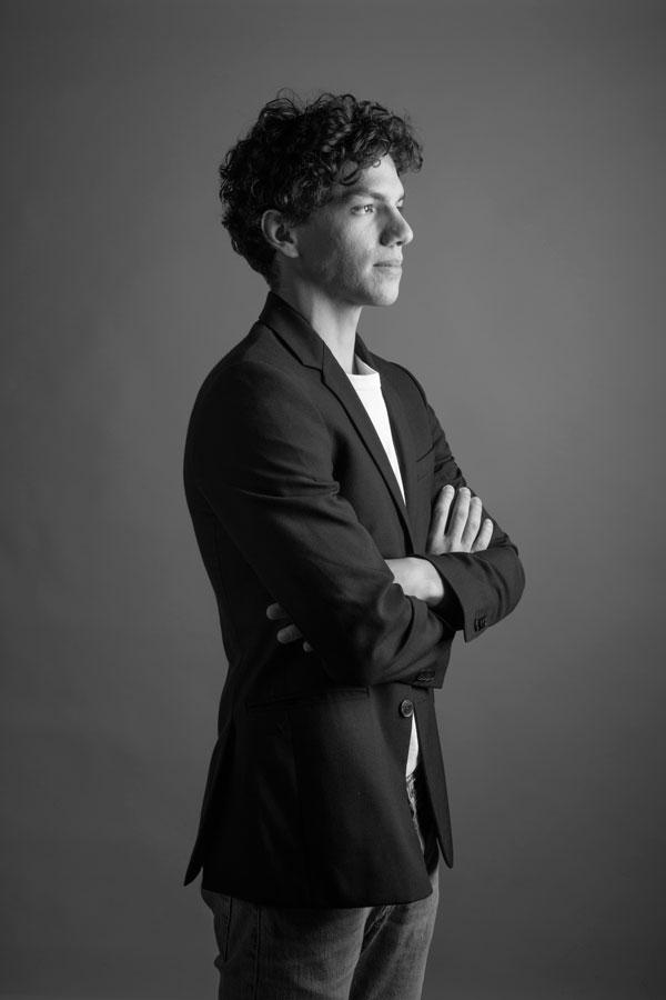 Isaac Hernández, 3