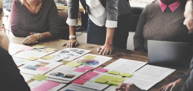 Manajemen bisnis dengan menyusun strategi