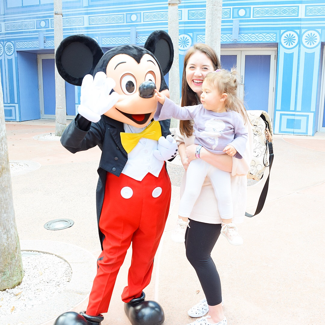 Top 10 places to take a photo in Disney World: Meet Your Favorite Disney Character