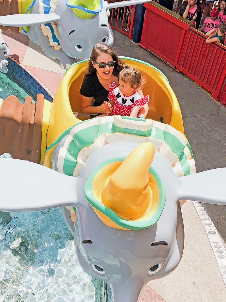 How to Have a Magical Day At Disney - Dumbo Ride
