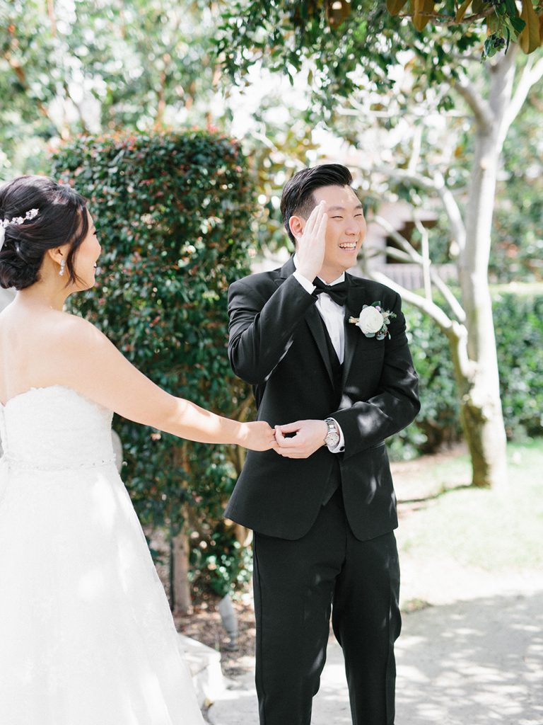 The must have photos on your wedding day: first look