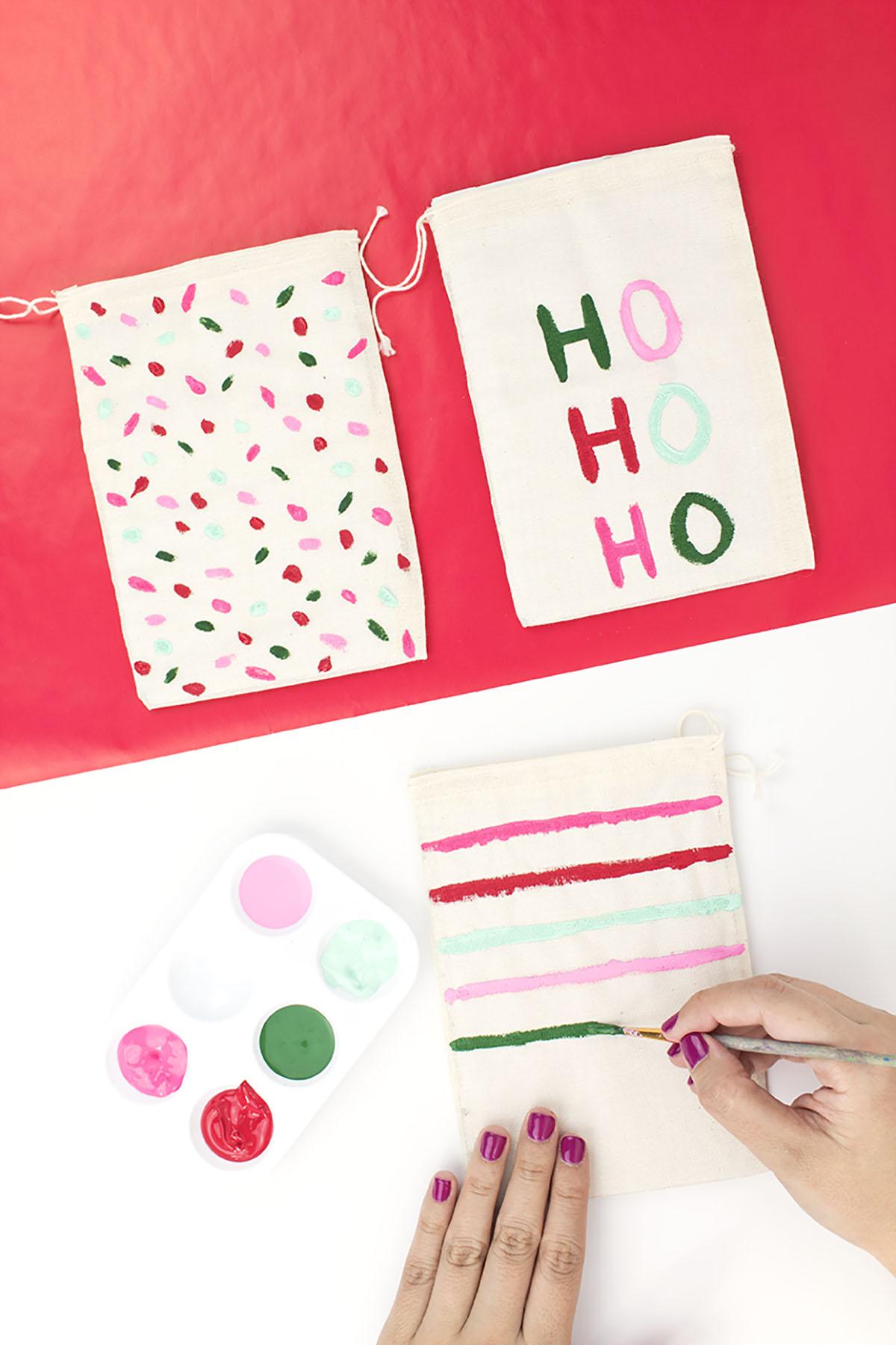Christmas Pouch Paint Details