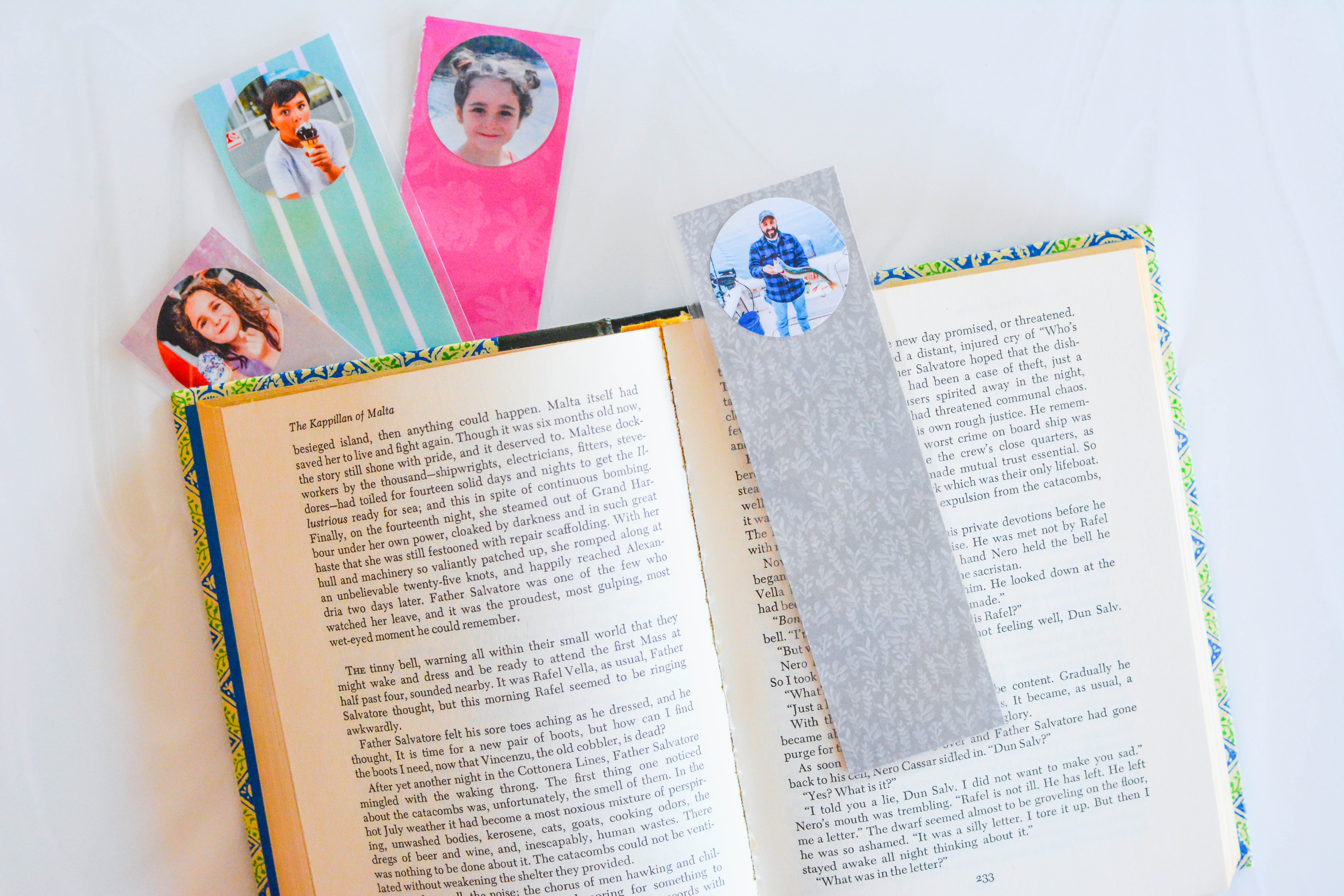 diy-personalized-bookmark-for-the-whole-family