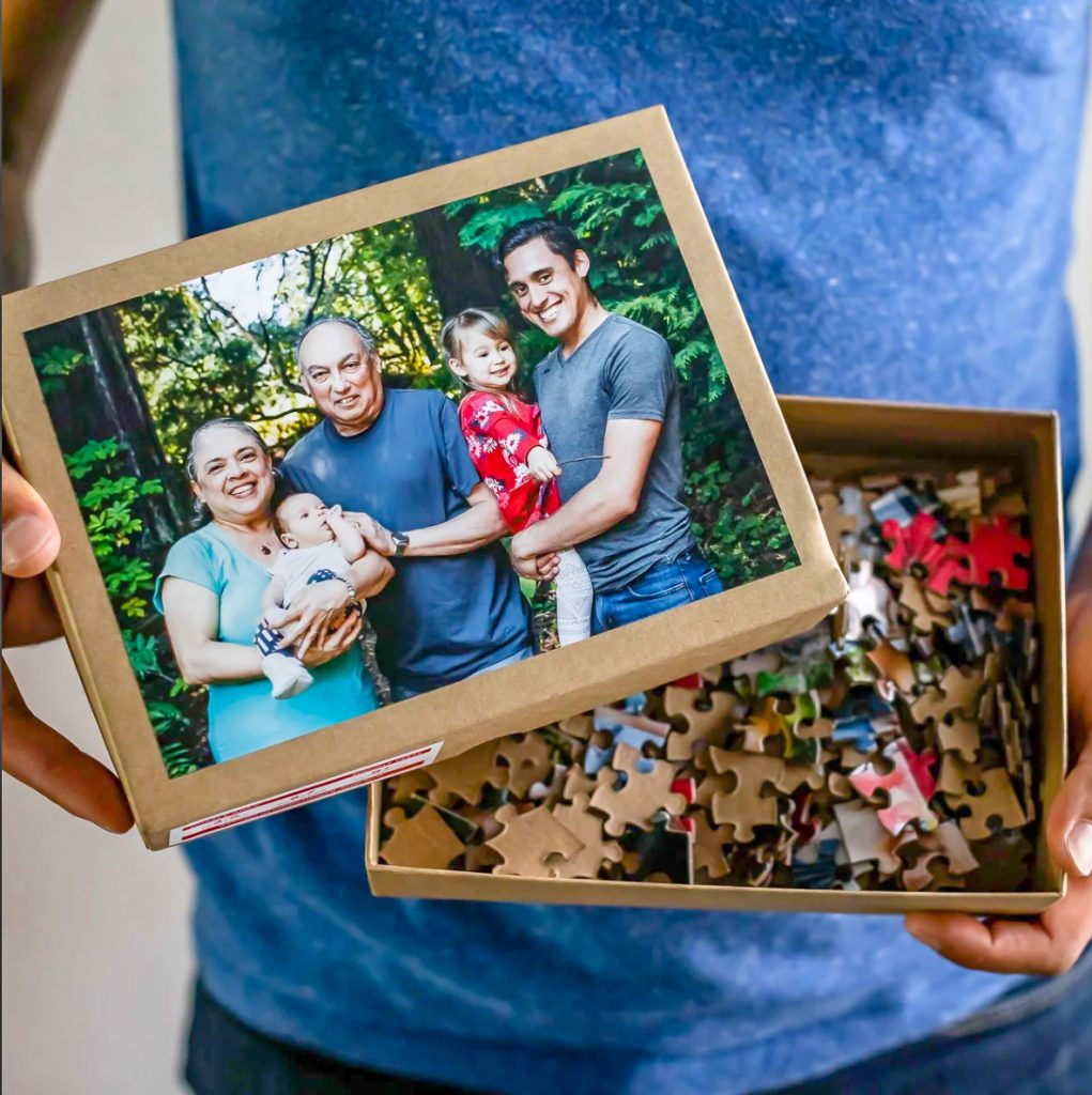 252-piece photo puzzle for Father's Day by @SnixyKitchen