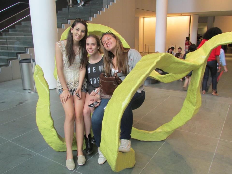 Gabi, Bia e Giulina no MOMA