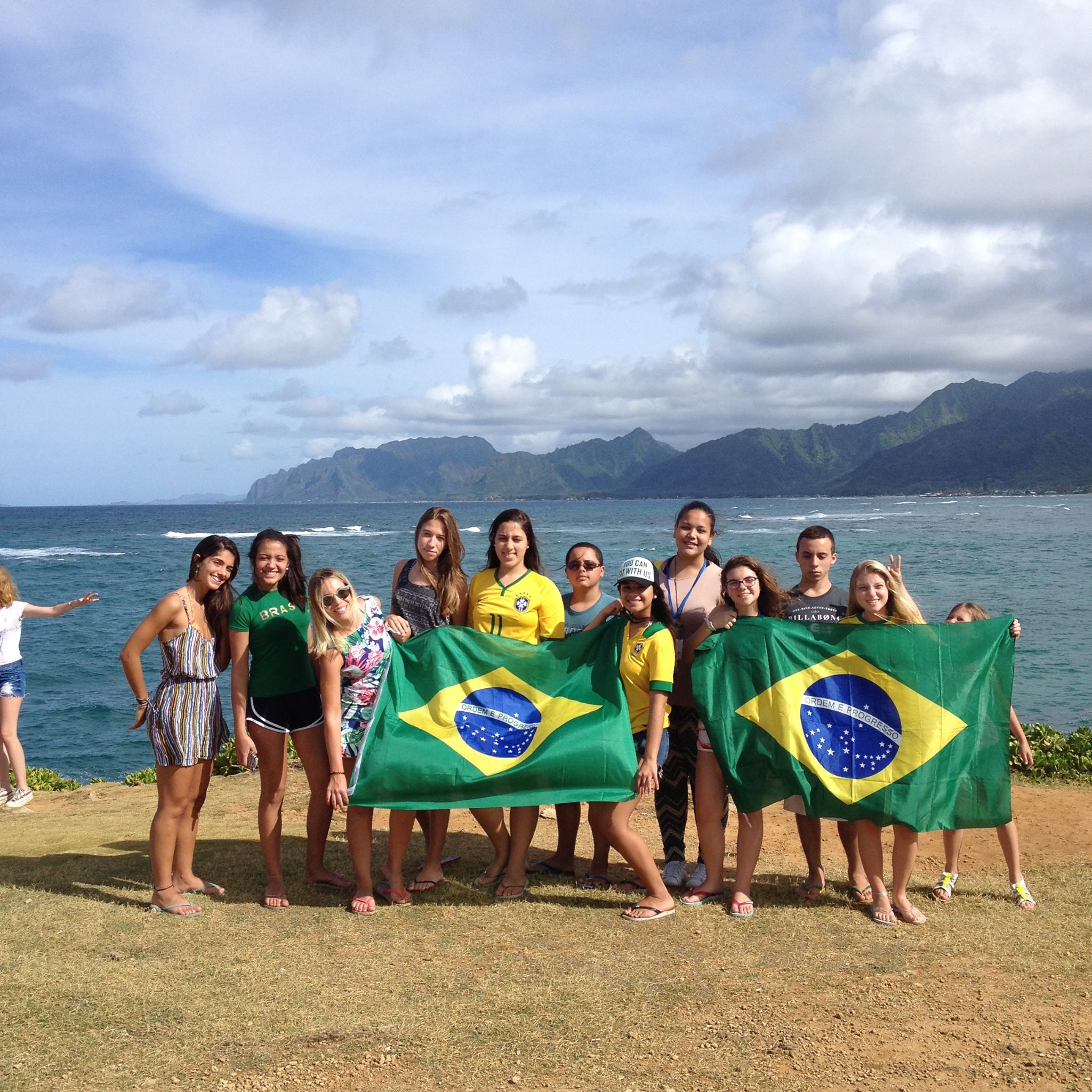 Group wth the Brasilian flag 2