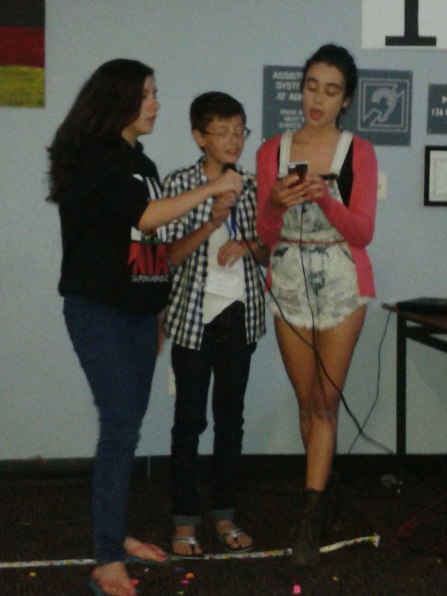 Juliana, Vitinho e Barbara dando um show de talento