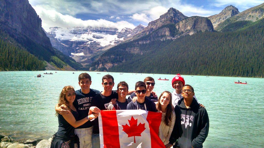 Lake Louise, todos aqui ja estao levantando a bandeira do Canada no coracao!