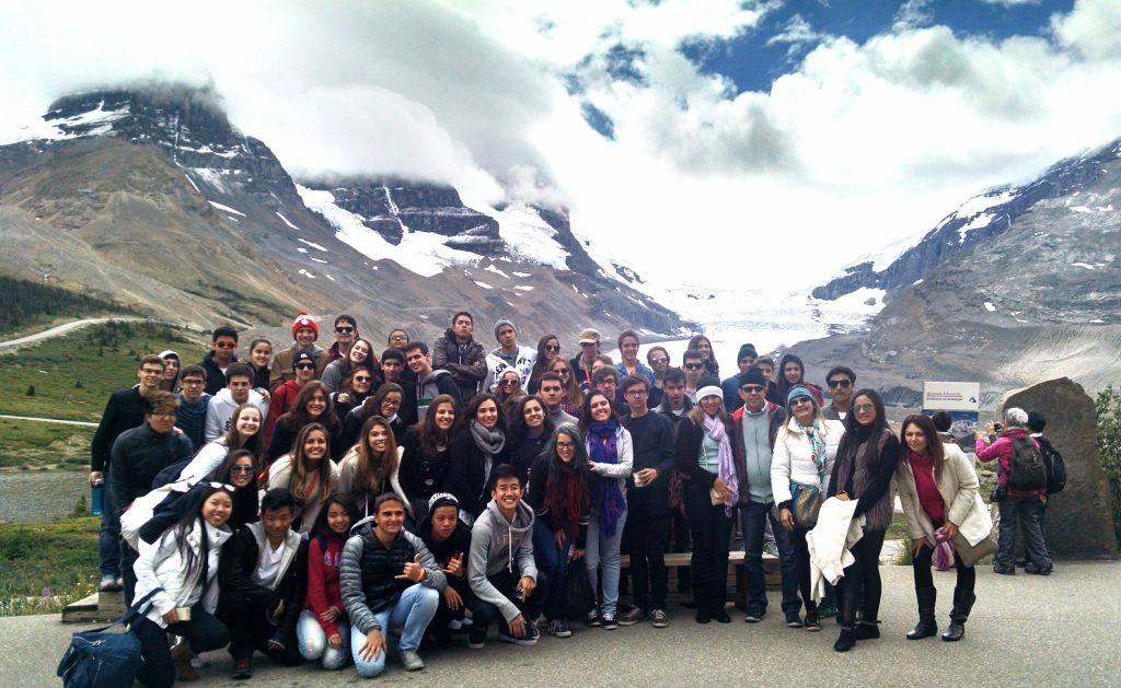 Todos que foram para as Rocky Mountains pela ELS, prontos para ir ate a Geleira.
