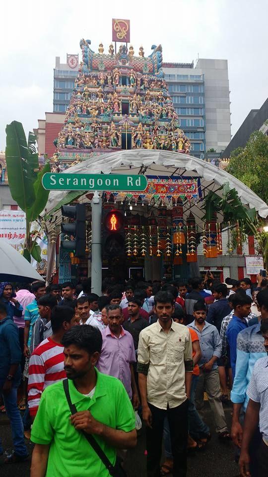 O templo Hindu Sri Veeramakaliamman reuniu os indianos para momentos de fé e oração. Ele foi construído em 1855.