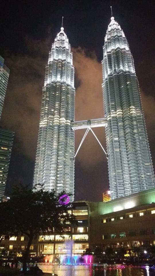 Petronas Twin Towers: impressioantes 452 metros de altura
