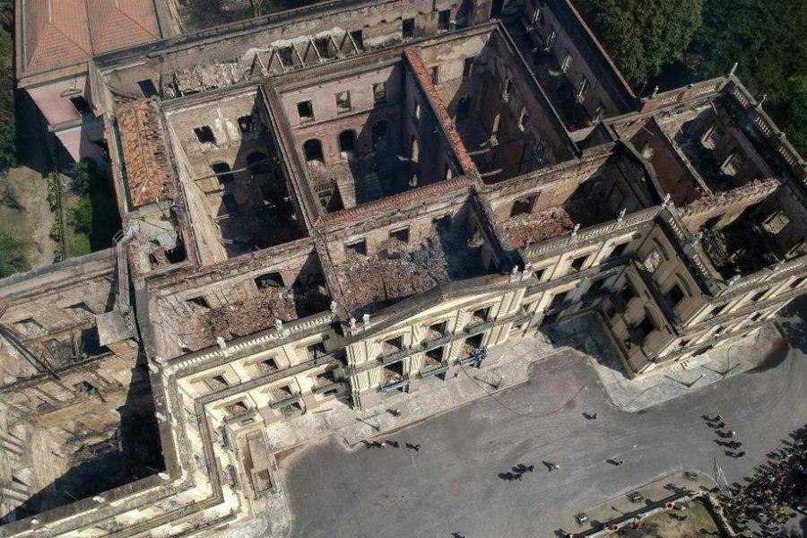 Vista aérea do Museu Nacional do Rio de Janeiro, um dos mais antigos do Brasil, em 3 de setembro de 2018, um dia depois de um enorme incêndio ter atingido o prédio
