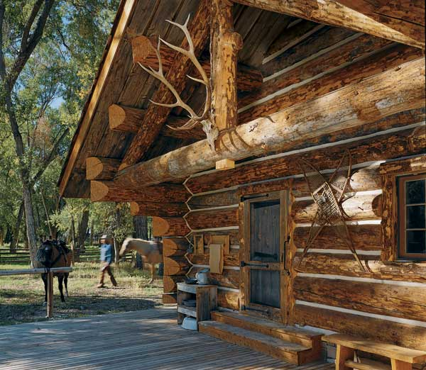 Log Home Livings 10 Favorite Small Log Cabins