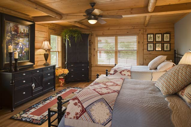 Master Bedroom | Expedition Log Homes