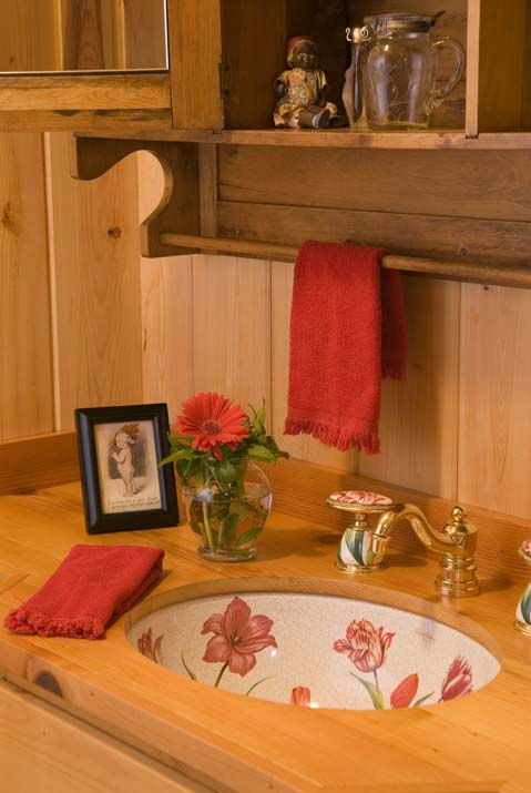 Decorative Sink in the Cabin's Bathroom